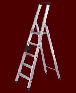 Stehleitern einseitig begehbar